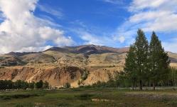 Разноцветные горы Чаган-Узуна
