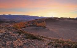 Рассвет в курайских горах