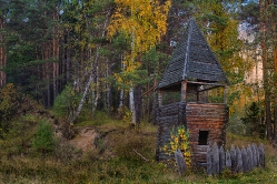 Непонятное сооружение в селе Екатерининское Тарский район