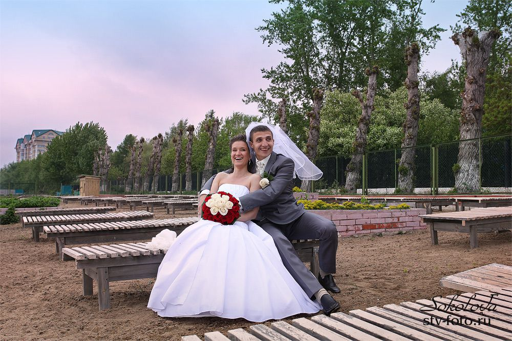 Жених, отдай фату невесте!